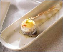 Anchoa marinada con puré de coliflor al aceite de vainilla y lima